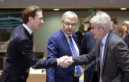(L-R) Austrian Foreign Minister and the leader of the Austrian Peoples Party (OeVP), Sebastian Kurz, Belgian Foreign Minister Didier Reynders and Spanish Foreign Affairs Minister Alfonso Maria Dastis Quecedo greet each other prior to the start of the EU Foreign Affairs Ministers' Council meeting in Brussels, Belgium, 13 November 2017. The Council is expected to discuss EU-Africa relations, strategic communications, security and defence issues and the EU-NATO cooperation, according to the European Council's calendar.