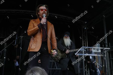Jesse Hughes and Dave Catching