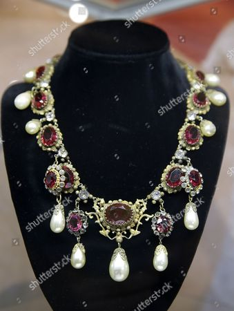 Bette Davis and Marion Martin worn Joseff of Hollywood designed necklace is displayed as part of Julien's Auctions Treasures from the Vault media preview in Los Angeles, California, USA, 13 November 2017. The estimated auction price is between 3,000-5,000 US dollars.