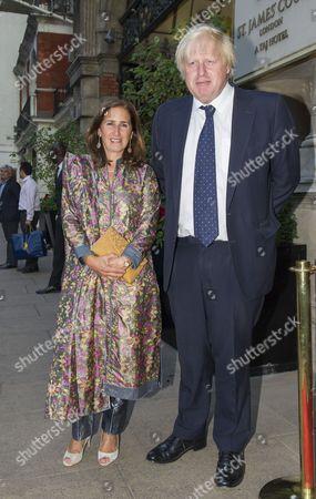 Foreign Secretary Boris Johnson arrives with wife Marina Wheeler at the Indian Journalist Association Dinner