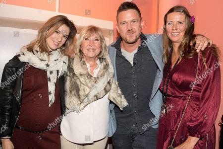 Johnny de Mol with his partner Anouk van Schie, his mother Willeke Alberti and sister Danielle Oonk