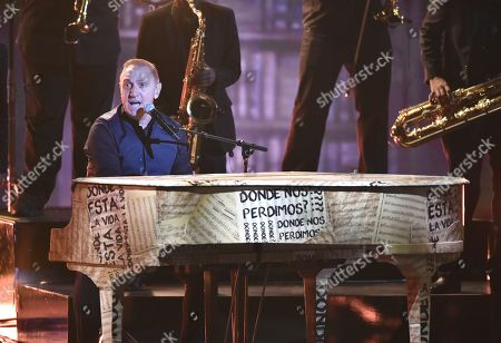 Franco De Vita performs at the Latin American Music Awards at the Dolby Theatre, in Los Angeles