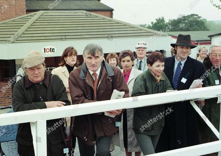 Ep 2291 Thursday 4th December 1998 Turner and Tony Cairns are at the Races, discussing plans for an outdoors activities course - With Anthony Cairns, as played by Edward Peel ; Alan Turner, as played by Richard Thorp.