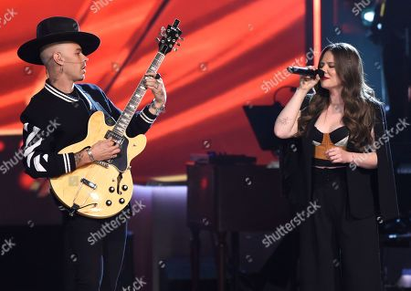 "Jesse Huerta, Joy Huerta. Jesse Huerta, left, and Joy Huerta, of Jesse Y Joy, perform ""Siempre Es De Noche"" at the Latin Recording Academy Person of the Year tribute honoring Alejandro Sanz at the Mandalay Bay Convention Center, in Las Vegas"