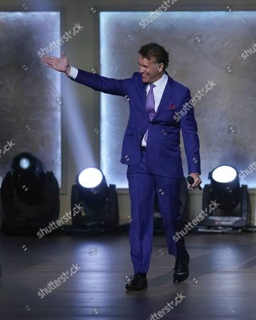 Singer Brian Stokes Mitchell performs on stage during the 2017 Gershwin Prize Tribute Concert honoring Tony Bennett at the DAR Constitution Hall on in Washington