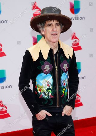 POSERS in the night (Rock and Roll tonight) 2017-latin-grammy-awards-arrivals-las-vegas-usa-shutterstock-editorial-9225961gt