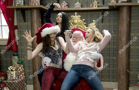Editorial picture of A Bad Moms Christmas - 2017