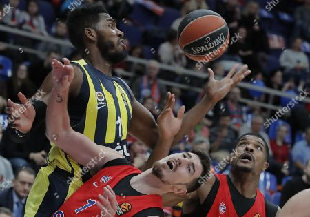 Kyle Hines (R) and Nando de Colo (C) of CSKA Moscow in action against Jason Thompson (L) of Fenerbahce Dogus during the Euroleague basketball match between CSKA Moscow and Fenerbahce Dogus in Moscow, Russia, 17 November 2017.