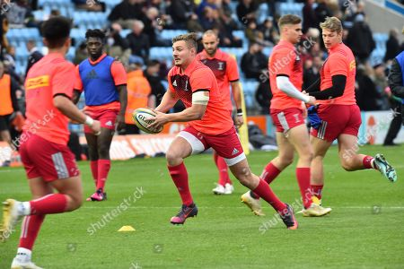 Harry Sloan of Harlequins warming up before the Aviva Premiership match between Exeter Chiefs and Harlequins at Sandy Park, Exeter