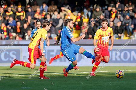 Sassuolo's Alessandro Matri (C) in action during the Italian Serie A soccer match Benevento Calcio vs US Sassuolo at Ciro Vigorito stadium in Benevento, Italy, 19 November 2017.