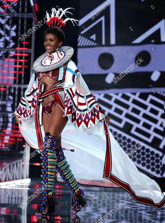 Amilna Estevao on the catwalk
