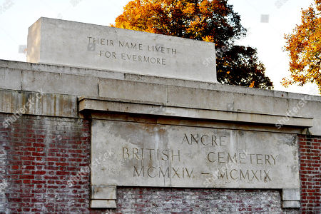 Entrance To Ancre Cemetery Beaumont-hamel France. - Vyvyan Harmsworth Lays A Wreath On Behalf Of Lord Rothermere At The Grave Of Vere Harmsworth Who Died.