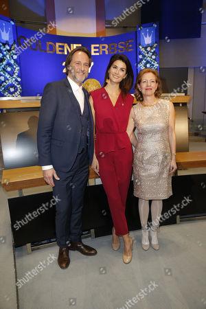 Laudatio Ingo Dubinski, Miriam Mack (Preistraegerin), Silke Fischer