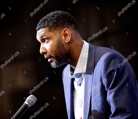 Wake Forest's Tim Duncan speaks to the media during a news conference, in Kansas City, Mo. Duncan was one of eight people inducted into the National Collegiate Basketball Hall of Fame Sunday