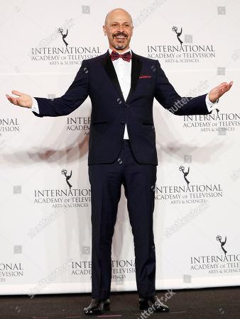 Host Maz Jobrani