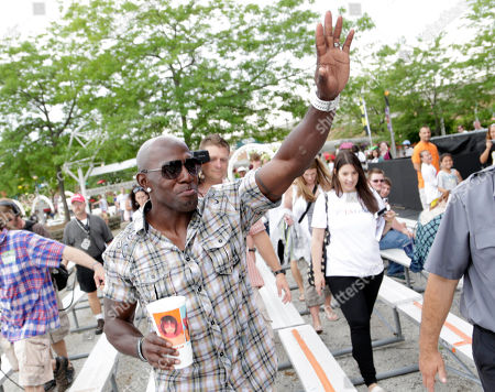U.S. Cellular treated Summerfest attendees to a surprise visit from former Green Bay Packer, Donald Driver, in Milwaukee, Wis