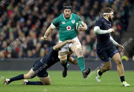 Ireland vs Argentina. Ireland's Sean O?Brien tackled by Argentina's Santiago Gonzalez Iglesias
