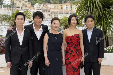 Shin Ha-Kyun, Song Kang-Ho, Kim Hae-Sook, Kim Ok-Bin and Director Chan Wook Park