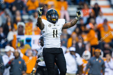 Stock Photo of linebacker Charles Wright #11 of the Vanderbilt Commodores during the NCAA Football game between the University of Tennessee Volunteers and the Vanderbilt University Commodores at Neyland Stadium in Knoxville, TN Tim Gangloff/CSM