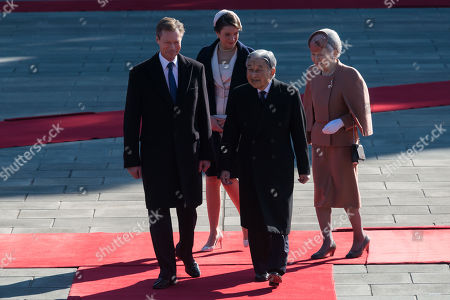 Luxembourg's Grand Duke Henri (front, C-L) and Princess Alexandra (back, C-L) are escorted by Japanese Emperor Akihito (front, C-R) and Empress Michiko (back, C-R) during the welcoming ceremony at the Imperial Palace in Tokyo, Japan, 27 November 2017. Grand Duke Henri and Princess Alexandra of Luxembourg are on a four-day visit to Japan.