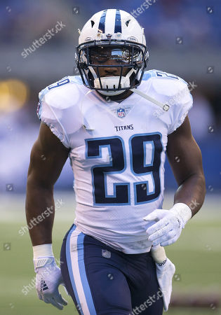 Tennessee running back DeMarco Murray (29) during NFL football game action between the Tennessee Titans and the Indianapolis Colts at Lucas Oil Stadium in Indianapolis, Indiana. Tennessee defeated Indianapolis 20-16