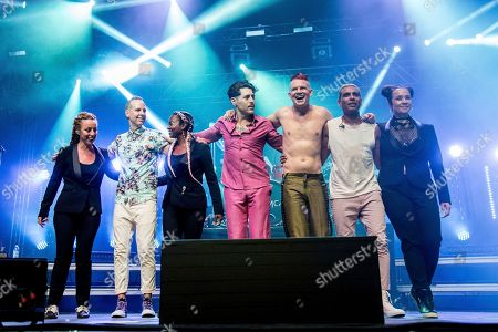 Tom Dumont, second from left, Davey Havok, fourth from left, Adrian Young and Tony Kanal of Dreamcar perform at Coachella Music & Arts Festival at the Empire Polo Club, in Indio, Calif