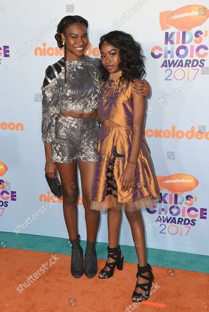 Reiya Downs, left, and Riele Downs arrive at the Kids' Choice Awards at the Galen Center, in Los Angeles