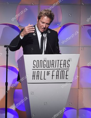 Inductee Robert Lamm gives his acceptance speech at the 48th Annual Songwriters Hall of Fame Induction and Awards Gala at the New York Marriott Marquis Hotel, in New York
