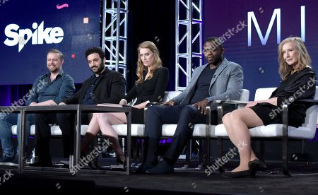 """Executive producer Christian Torpe, from left, Morgan Spector, Alyssa Sutherland, Okezie Morro and Frances Conroy attend """"The Mist"""" panel at Viacom's Spike TV portion of the Winter Television Critics Association press tour, in Pasadena, Calif"""