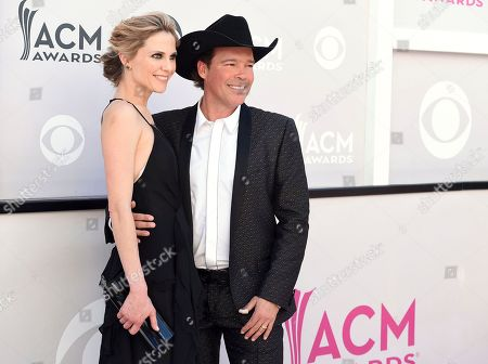Jessica Craig, left, and Clay Walker arrive at the 52nd annual Academy of Country Music Awards at the T-Mobile Arena, in Las Vegas