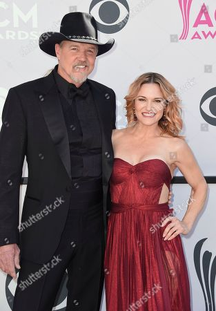 Trace Adkins, left, and Victoria Pratt arrive at the 52nd annual Academy of Country Music Awards at the T-Mobile Arena, in Las Vegas