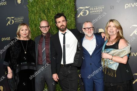 Mimi Leder, left, Damon Lindelof, Justin Theroux, Tom Perrotta and Ann Dowd attend the 75th Annual Peabody Awards Ceremony at Cipriani Wall Street, in New York