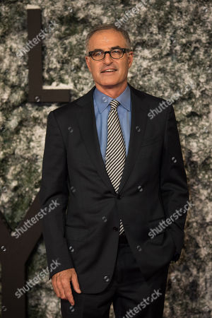 Director David Frankel poses for photographers upon arrival at the premiere of the film 'Collateral Beauty' in London