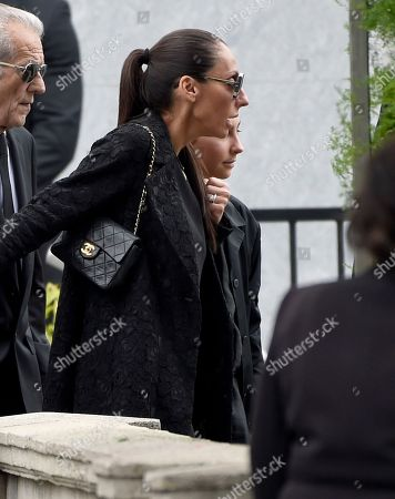 Vicky Karayiannis, left, and her daughter Toni Cornell attend a funeral for Chris Cornell at the Hollywood Forever Cemetery, in Los Angeles