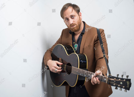 """Dan Auerbach poses for a portrait in New York to promote his solo album, """"Waiting On a Song."""" The album was recorded last summer in Auerbach's studio in Nashville, Tenn., and features musicians like Rock and Roll Hall of Famer Duane Eddy, 14-time Grammy winner Jerry Douglas and Johnny Cash's former bass player Dave Roe"""