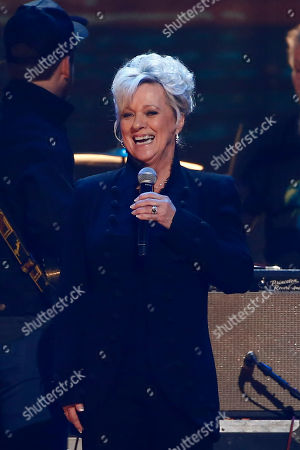 """Connie Smith performs at the concert """"Sing me Back Home: The Music of Merle Haggard"""" at the Bridgestone Arena, in Nashville, Tenn"""