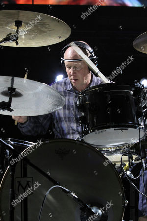 Jack Irons performs during The Getaway Tour at Philips Arena, in Atlanta