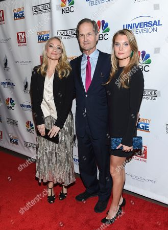 """Actress Sarah Wynter, left, with boyfriend and guest at TV Guide Magazine's """"Law & Order: Special Victims Unit"""" 400th episode celebration at the Gansevoort Park Avenue, in New York"""