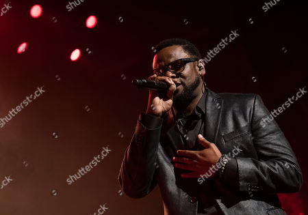 """Carl Thomas performs at the """"Can't Stop, Won't Stop: The Bad Boy Story"""" film premiere during the 2017 Tribeca Film Festival, in New York"""