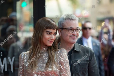 """Actress Sofia Boutella, left, and Director Alex Kurtzman participate in Universal Pictures' """"The Mummy"""" Saks Fifth Avenue window display unveiling, in New York"""