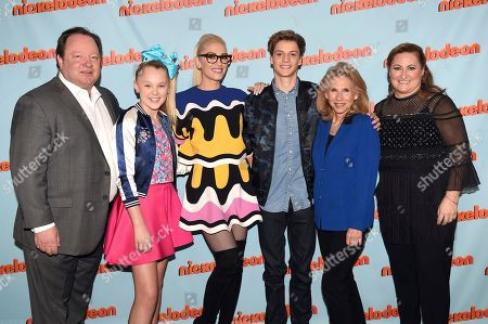 """Bob Bakish, President & CEO of Viacom, from left, JoJo Siwa, Gwen Stefani, Creator of Nickelodeon's animated series """"Kuu Kuu Harajuku,"""" Jace Norman, star of Nickelodeon's """"Henry Danger,"""" Shari Redstone, Vice Chair of the Board of Directors for Viacom, and Cyma Zarghami, President for Nickelodeon Group, pose backstage at the Nickelodeon Upfront 2017 at Jazz at Lincoln Center on in New York City"""