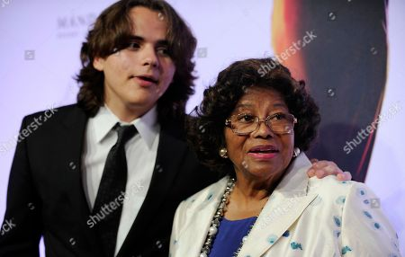 "Prince Jackson, left, and Katherine Jackson arrive at the world premiere of ""Michael Jackson ONE"" at THEhotel at Mandalay Bay Resort and Casino in Las Vegas. Prince Jackson unveiled a tattoo tribute to his late father, Michael, in an Instagram post on March 31, 2017"