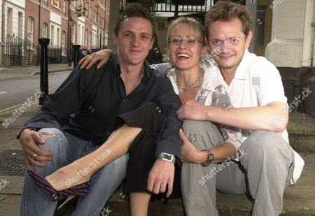 Play: 'last Song Of The Nightingale'-at The New End Theatre Hampstead. Ex Coronation Street Actress Tracie Bennett With Actors Scott Neal (left) And Duncan Wisbey.
