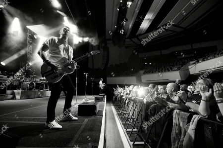 Stock Image of Richie Malone (Guitar & Vocals) of Status Quo