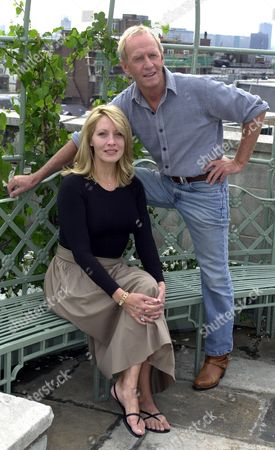 'crocodile Dundee In L.a.'- Paul Hogan And Linda Kozlowski In London
