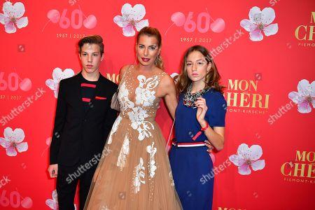 Giulia Siegel mit Kinder Nathan and Mia