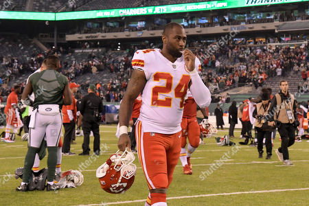Kansas City Chiefs' Darrelle Revis leaves the field after an NFL football game against the New York Jets, in East Rutherford, N.J. The Jets beat the Chiefs 38-31