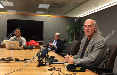 """Former Minnesota Gov. Jesse Ventura speaks with reporters about the settlement of his defamation lawsuit against """"American Sniper"""" author Chris Kyle and his estate in Minneapolis, Minn"""