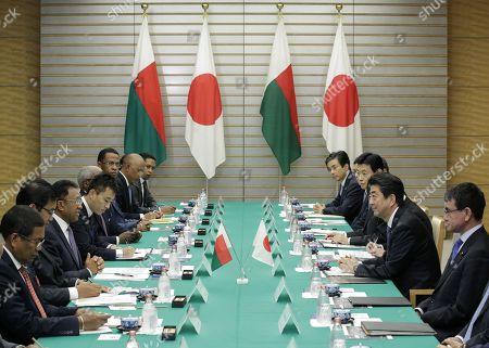 Hery Rajaonarimampianina and Shinzo Abe