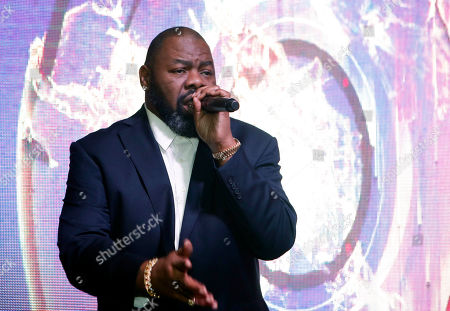 Biz Markie performs at the NFL Media Super Bowl party at Chapman & Kirby